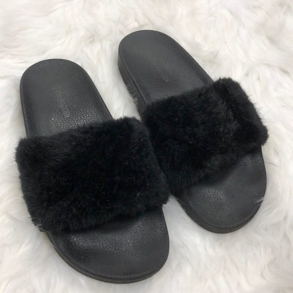332b70582e5 Shoes - Steve Madden Fluffy Slides